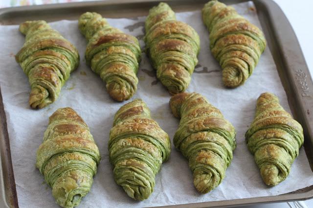 Matcha croissant 1