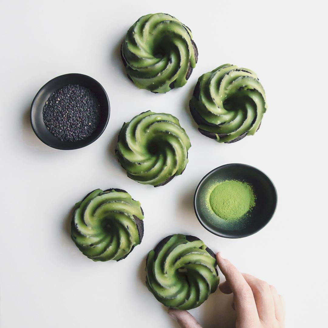 Black sesame cupcakes with matcha glaze 1